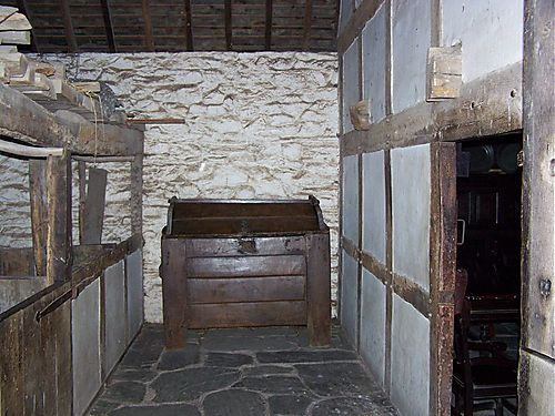 Lomghouse2