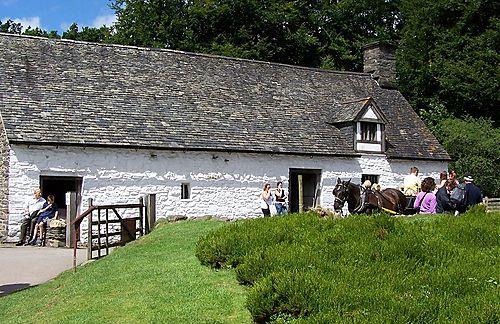 Lomghouse