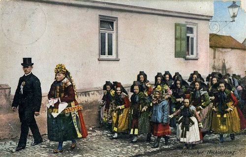 Hessian wedding procession