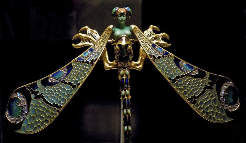 Dragonfly_woman